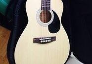 Acoustic 3/4 Guitar